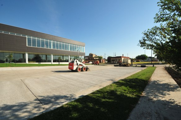 The parking lot on the south side of the building features permeable pavement.